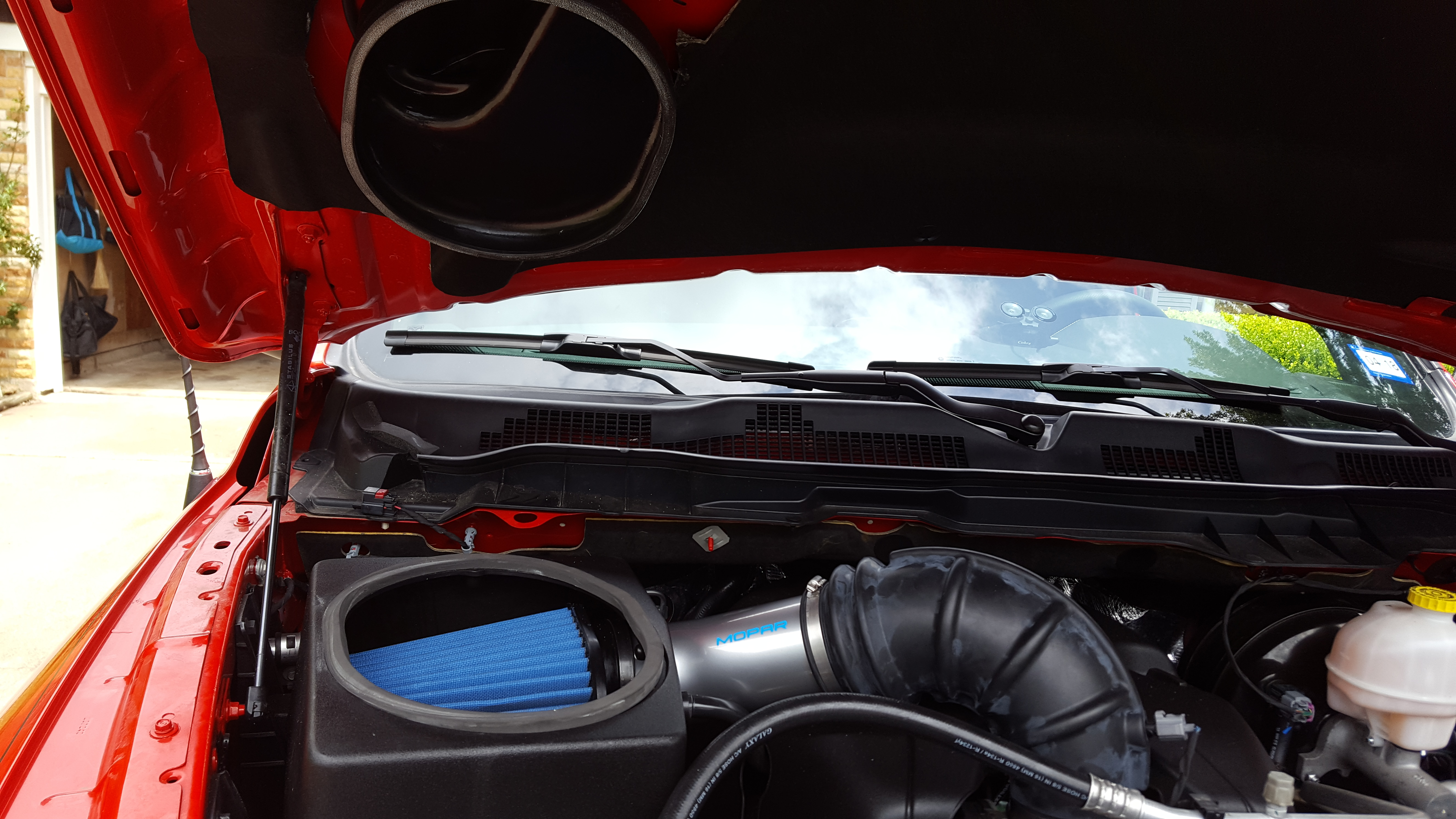 Air intake on the hood of a car - a luxury or a necessity 58